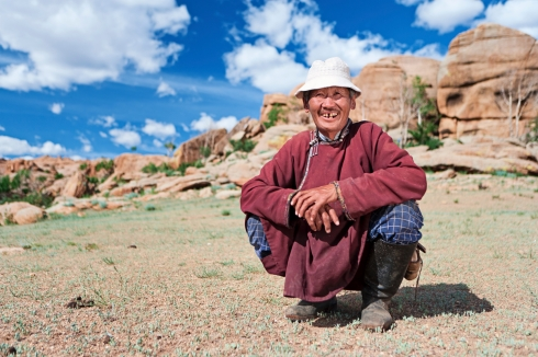 Old Mongolian man in national clothing, Central Mongolia