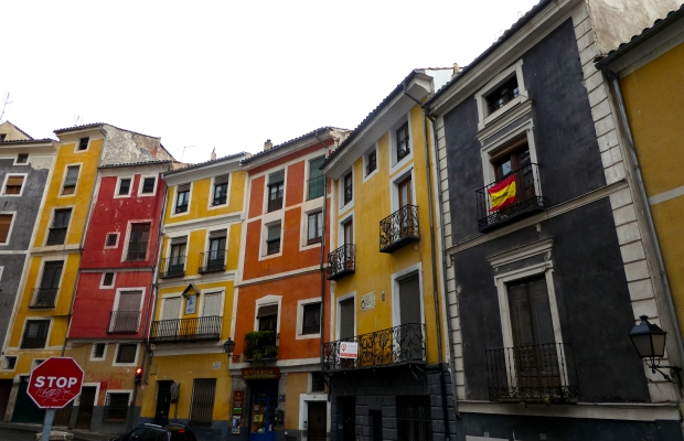 cuenca-colourful-appts